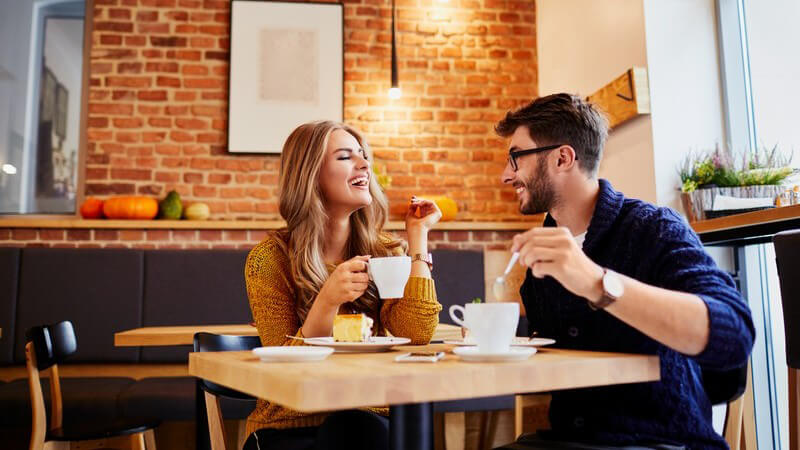 Streber, Computerfreak oder machohafter Aufreißer - die Welt der Dating-Typen ist groß