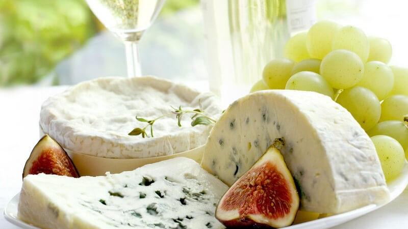 Für den puren Käsegenuss gibt's hier zudem Tipps zur Lagerung und Kombination mit dem passenden Wein
