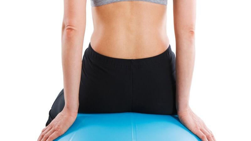 Der Sitzball gegen Rückenschmerzen und als Spielgerät
