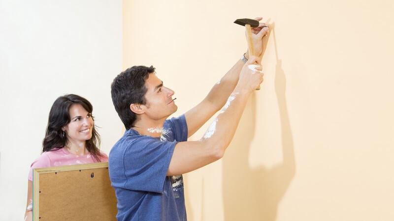 Von der Axt bis zur Zange - Für das Heimwerken bedarf es einiger wichtiger Geräte und Werkzeuge, wie z.B. Mess- und Elektrowerkzeuge, aber auch Hammer und Schraubenzieher