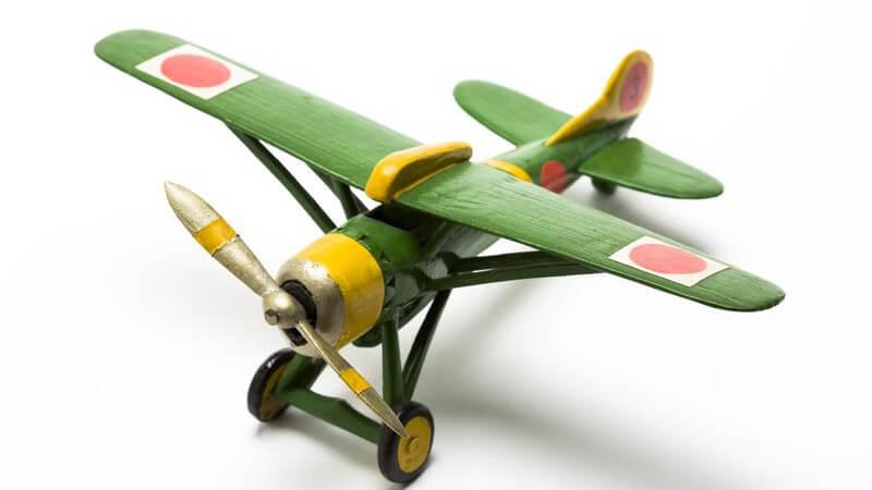 Der Modellbau stellt ein weit verbreitetes Hobby dar, zu dem auch verschiedene Veranstaltungen angeboten werden; besonders beliebt sind Modelleisenbahnen