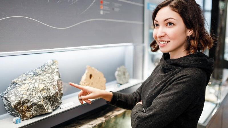 Das Studium der Geologie umfasst mehrere Themenbereiche - Bei der Berufswahl kann man sich z.B. auf ein Gebiet spezialisieren