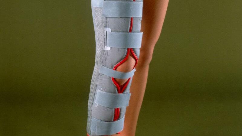 Starke mechanische Belastungen, z.B. bei einem Autounfall, können der Auslöser für eine Femurfraktur sein