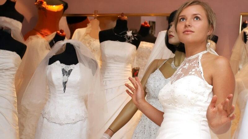Bei der Auswahl des perfekten Unterrocks spielen das Material und das Kleidmodell eine große Rolle