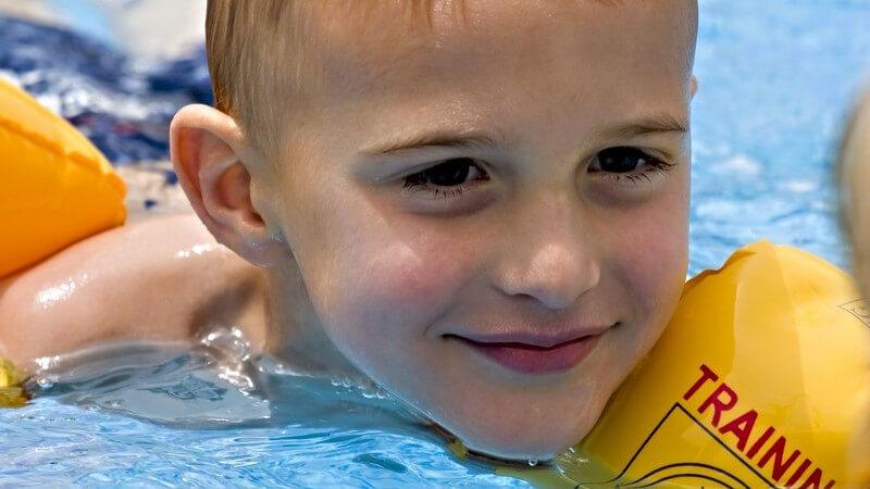 Die Durchführung und Wirkung einer Delfintherapie zur Behandlung von behinderten Kindern