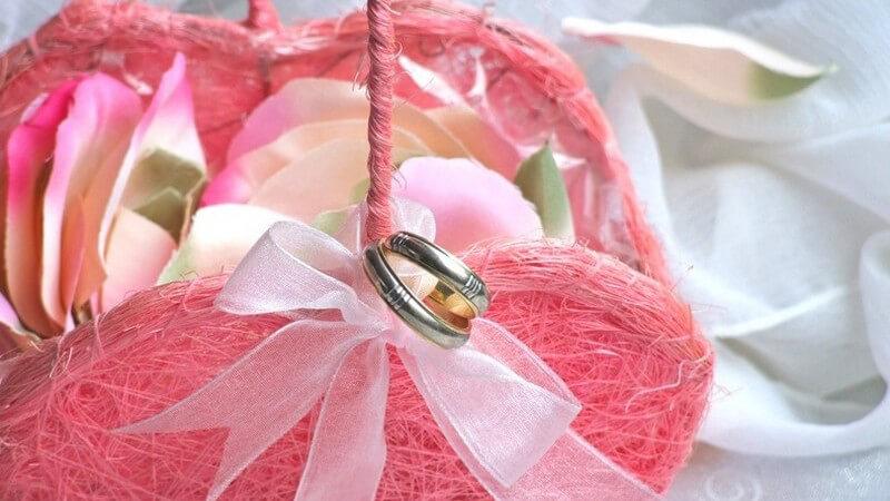 Bedeutung von Hochzeitskerzen und beliebte Symbole