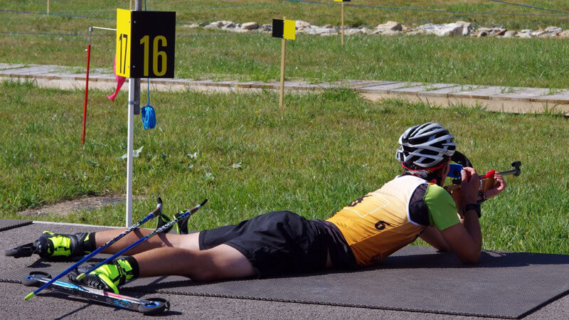 Traditionelle Biathlon-Elemente mit klassischen Sommersportarten - wir informieren über die Merkmale des modernen Biathlons