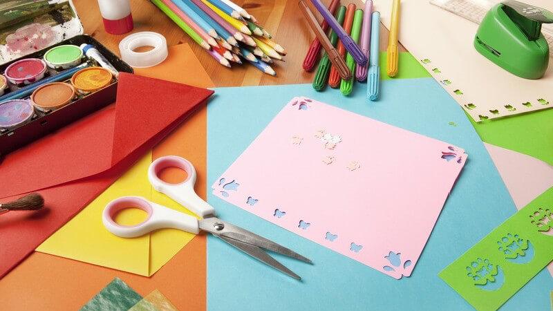 Besonders Kinder kreieren gerne bunte Bilder für Fenster, Spiegel und Co - Tipps und Tricks rund um das Thema Window Color
