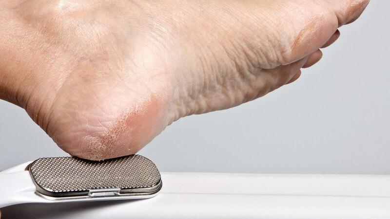 In einem Fußpflegestudio können Sie Ihre Füße sowohl einfach verschönern als auch medizinisch pflegen lassen