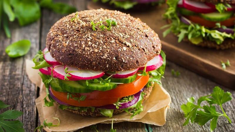 Mit Vollkornprodukten die Ernährung umstellen und einen Jojo-Effekt vermeiden - ein Überblick über die verschiedenen Vollkornprodukte