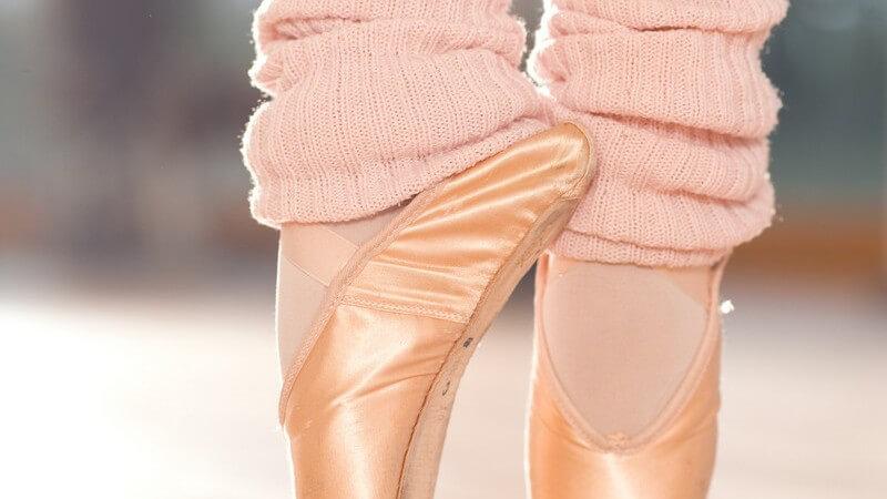 Balletschuhe aus Leder, Leinen oder Satin - Die Vor- und Nachteile der verschiedenen Materialien