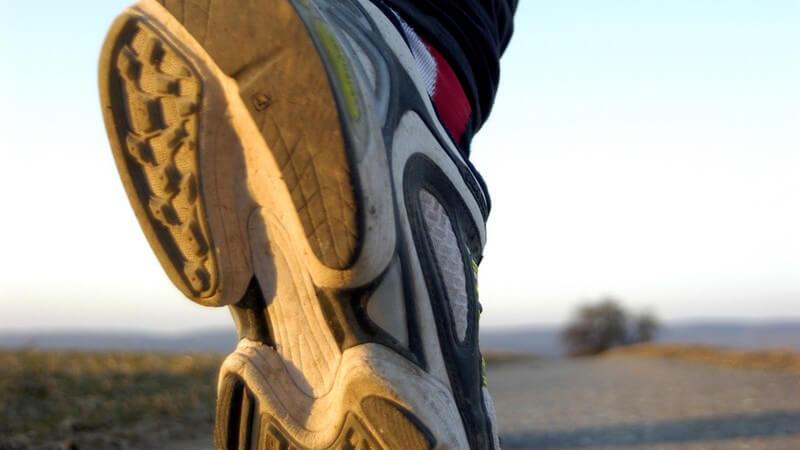 X-Bein, O-Bein, Senkfuß, Hohlfuß - Tipps zur Auswahl des passenden Laufschuhs bei Fehlstellungen der Füße