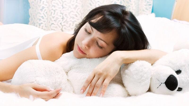 Durch das Führen von Traumtagebüchern oder Traumprotokollen lässt sich das Traumbewusstsein stärken - Zur Traumdeutung und Erinnerung