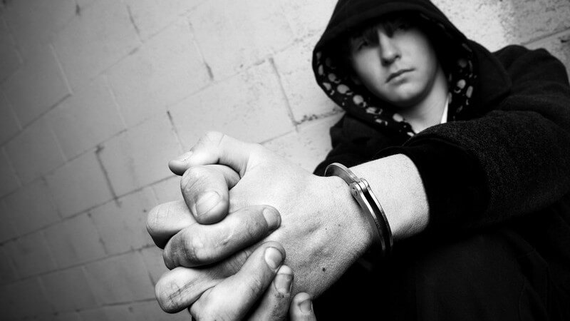 Soziales Umfeld oft labil - Gewalt unter Jugendlichen kommt nicht von ungefähr