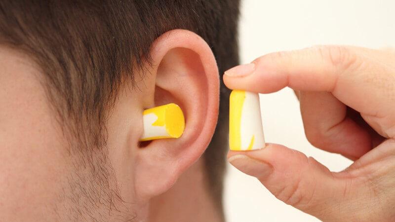 Verschiedene Ohrenschützer-Arten - Bügelform, Mützen, Earbags