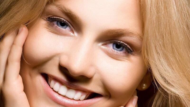 Wellness-Vitamine, die unsere Haut strahlen lassen