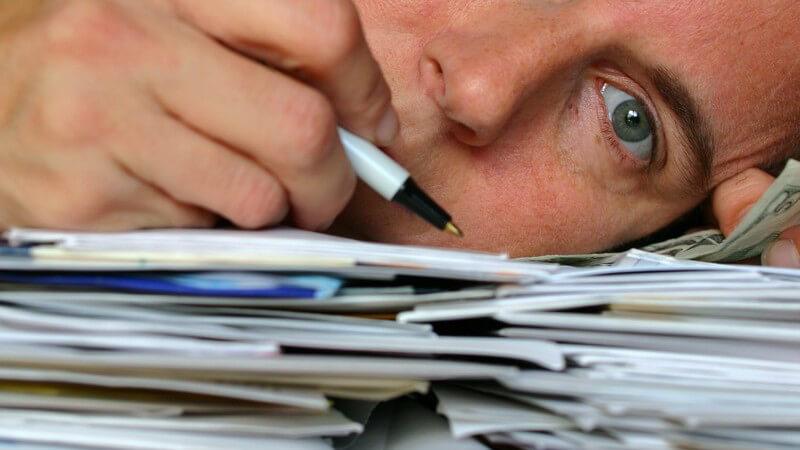 Vom übermäßigem Engangement bis zur Verzweiflungsphase - die Entstehung der Burnout-Erkrankung und wie man sie erkennen und behandeln kann