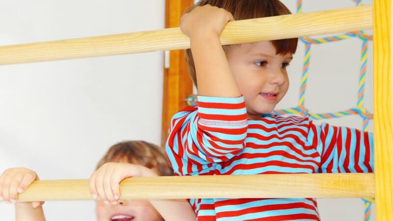 Die kindliche Entwicklung in einem Alter von drei bis sechs Jahren in halbjährlichen Schritten