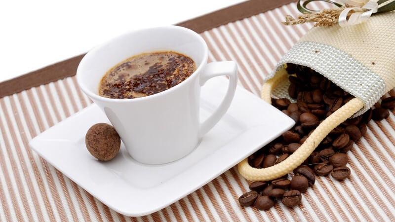 Um den aus den gemahlenen Bohnen einen Kaffee zuzubereiten, gibt es verschiedene Möglichkeiten