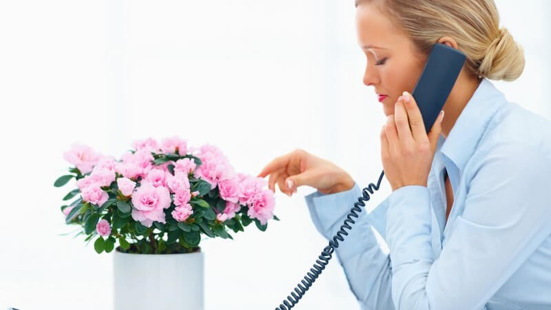 So klappt es mit dem Flirt am Telefon nach dem ersten Treffen - Wie lange wartet man und wer ruft wen an?
