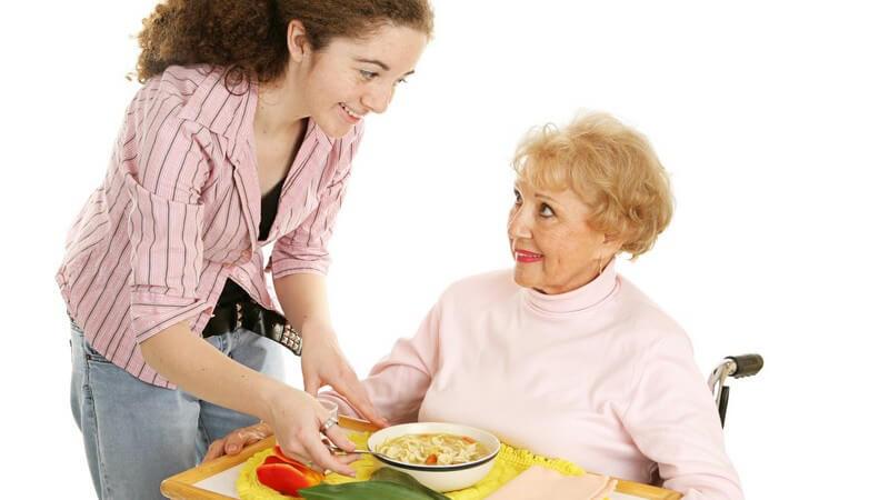 Die Selbstständigkeit erhalten und täglich gut speisen - Essenslieferung nicht nur für Senioren