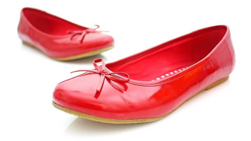 Die idealen Schuhe für Schwangere bei Rückenschmerzen und Ödemen