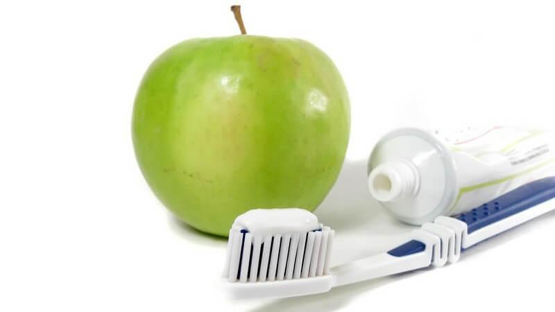 Wir helfen Ihnen dabei, die Inhaltsstoffe auf Ihrer Zahnpastatube zu verstehen