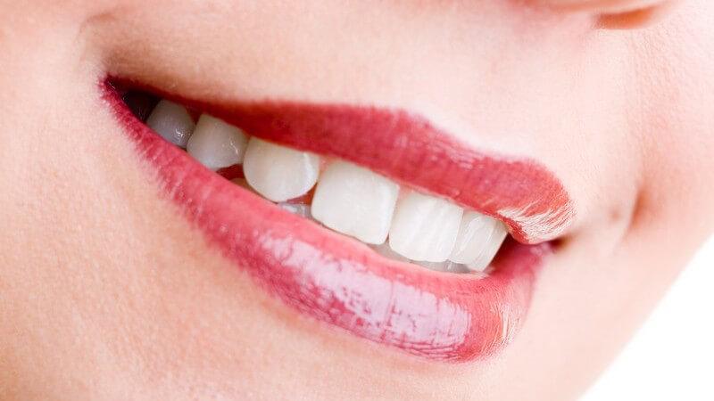 Aufhellung der Zähne mit Bleaching Gel, Schiene, Streifen und Stiften - Wissenswertes zu Zahnweiß