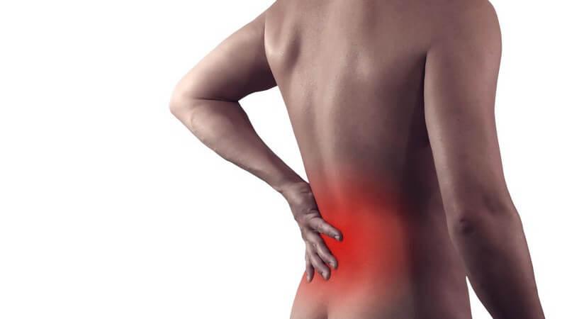 Unter anderem werden Gangbild, Nerven, Form der Wirbelsäule und Beweglichkeit untersucht
