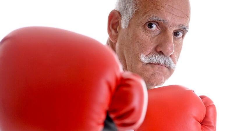 Gefährliche Situationen vermeiden und im Ernstfall auch im höheren Alter selbstbewusst und mit sicheren Griffen den Gegner abwehren