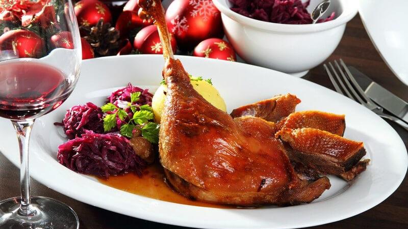 An vielen Feiertagen wird geschlemmt; dies gilt vor allem auch an Weihnachten - neben den traditionellen Speisen wünschen sich viele Menschen aber auch gesunde Alternativen