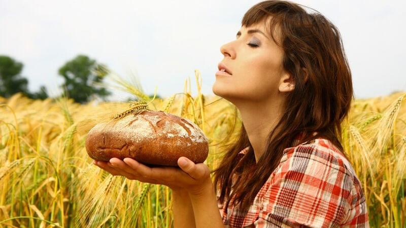 Der Brottrunk wird aus einem Vollkorn-Sauerteigbrot hergestellt und soll mitunter den Cholesterinspiegel senken und der Entschlackung dienen