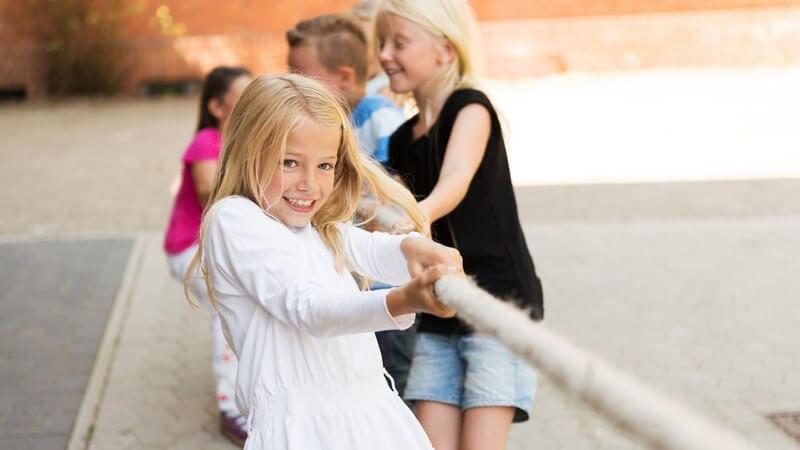 Pausenarten in der Schule und eine Übersicht über moderne Spiele für die Unterrichtspause