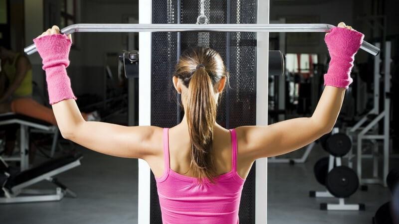 Häufige Verletzungen im Fitnessstudio und wie man diesen vorbeugt