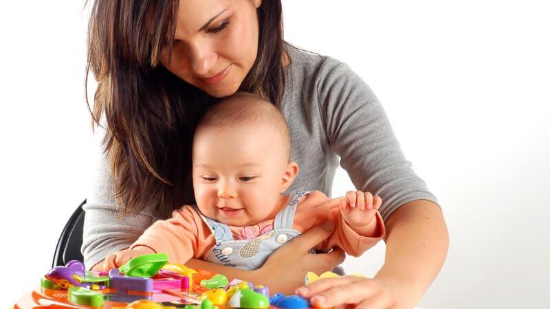 Ursache und mögliche Verzögerung der Mutterliebe als elementare Empfindung nach der Geburt und wie man die Eltern-Kind-Beziehung stärken kann