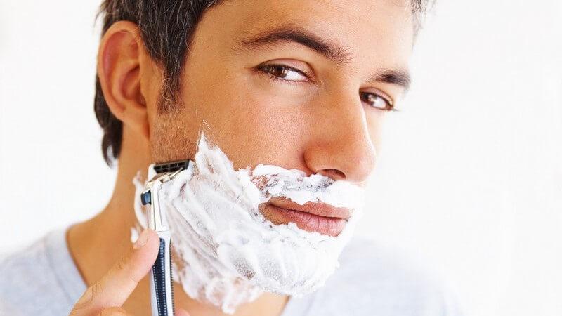 Moderne Bartfrisuren von Sechstagebart über Chin Strap, Chin Puff und Ziegenbart bis hin zu Schifferkrause und Backenbart