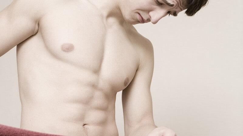 Ursachen für das Bettnässen bei Erwachsenen können beispielsweise hormon- oder auch psychisch bedingt sein