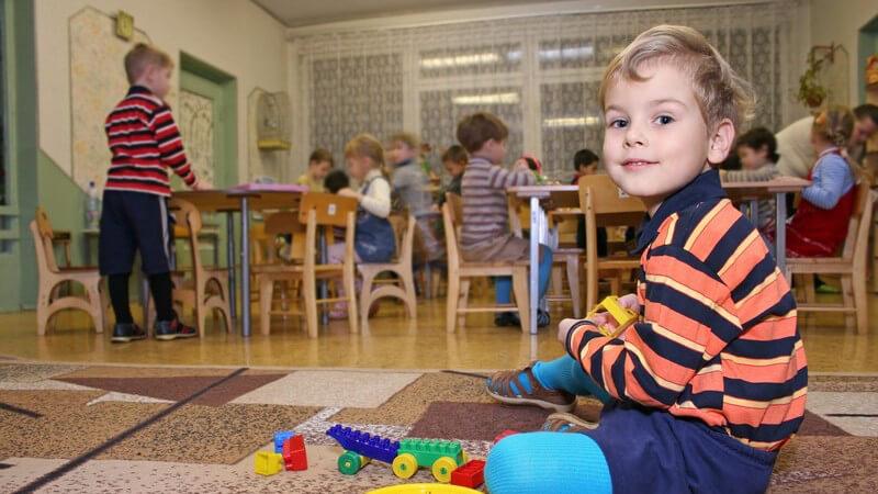 Wie man seinem Kind den neuen Kindergartenalltag erleichtern kann und welche Schwierigkeiten in der Anfangsphase sowie auch nach der Gewöhnung auftreten können