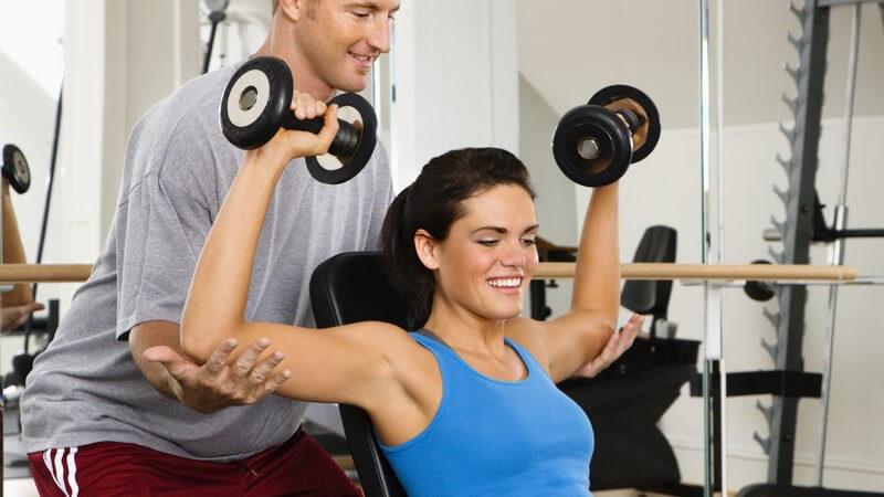 Beim Ziel, sein Selbstbewusstsein zu stärken, gilt es, den Körper dabei nicht außer Acht zu lassen
