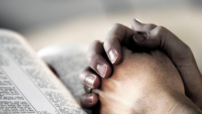 Die Gebetsentwicklung bei Kindern und Tipps zur Gebetserziehung - Bestandteile einer religiösen Erziehung und worauf dabei geachtet werden sollte