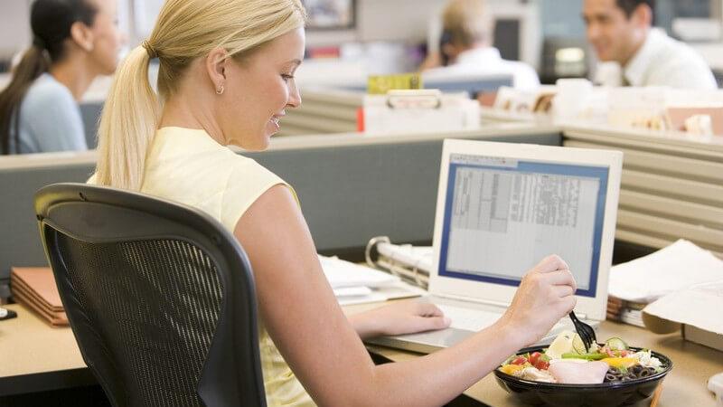 Wertvolle Tipps für den Tag im Büro: durch kleine Tricks, verschiedene Kniffe und grundlegende Verhaltensweisen zum leichteren und erfolgreichen Büroalltag