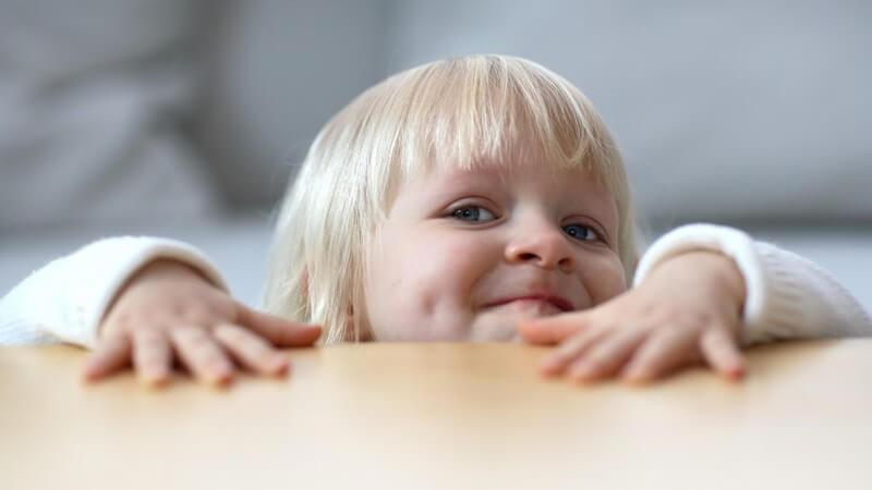 Schritt für Schritt zur emotionalen Kompetenz - die Emotionsentwicklung vom ersten bis einschließlich sechsten Lebensjahr