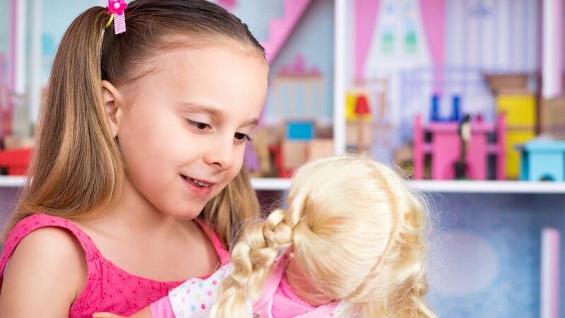 Die Puppe spielt für die kindliche Entwicklung eine große Rolle - dabei ist das Spielen mit Puppen keine Frage des Geschlechts