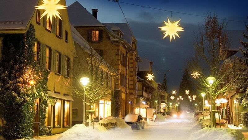 Adventskalender, Adventskranz, Lichter, Figuren und Co - mit den richtigen Dekoelementen werden Advents- und Weihnachtszeit noch schöner und gemütlicher