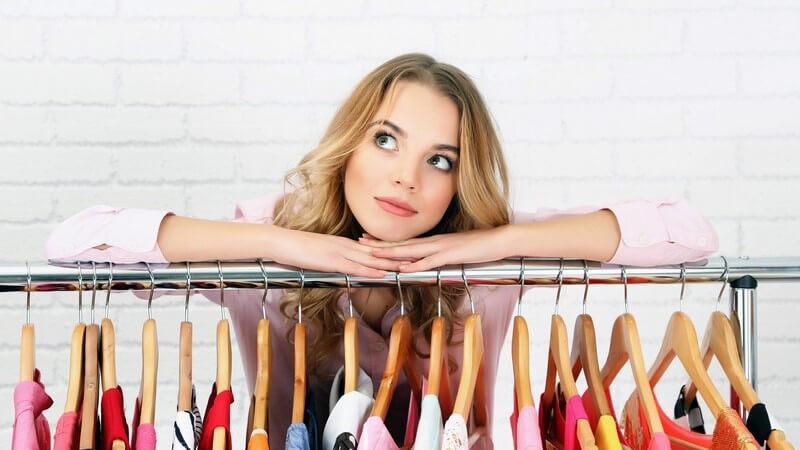 Viel Platz im begehbaren Kleiderschrank - Tipps zum selber Planen und Bauen