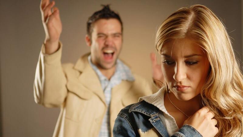 Das Heilen von emotionalen Verletzungen in einer Beziehung, wie man im Gespräch sein Verhalten entschuldigen sollte und wie man eine emotionale Verletzung vergeben lernen kann