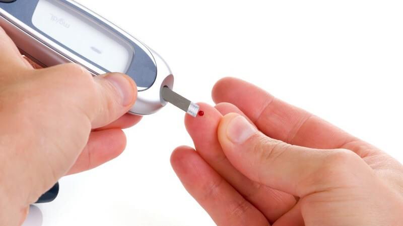 Tipps zum Gebrauch eines Blutzuckermessgerätes und zu Möglichkeiten der Ergebnisprotokollierung