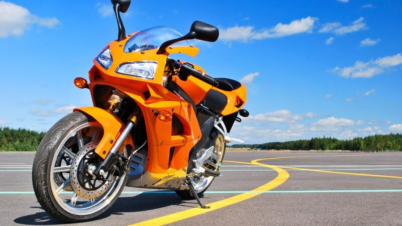 Wir verraten Ihnen, inwiefern sich die Motorräder in ihrer Optik und den Fahreigenschaften unterscheiden