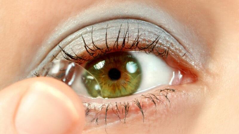Wissenswertes zu Pflegemitteln für Kontaktlinsen