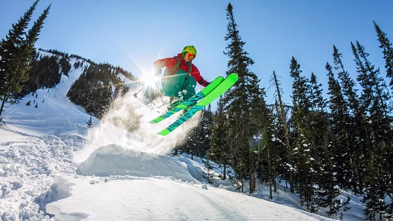 Freestyle-Skifahrer